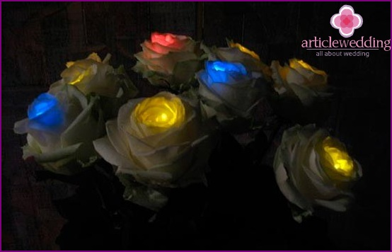 Roses with colored bulbs