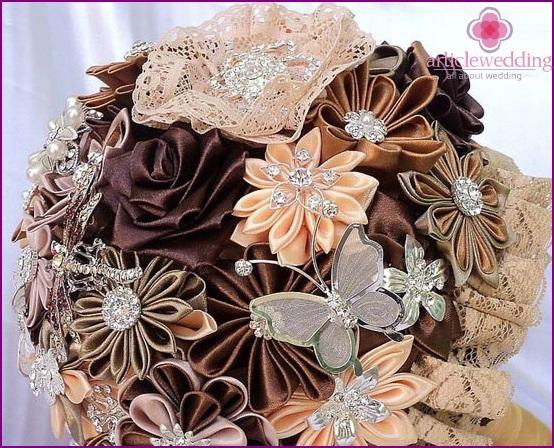 Bouquet in chocolate tones