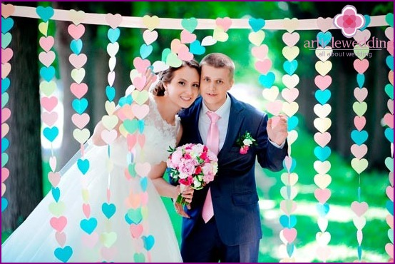 Helle Hochzeitsherzen