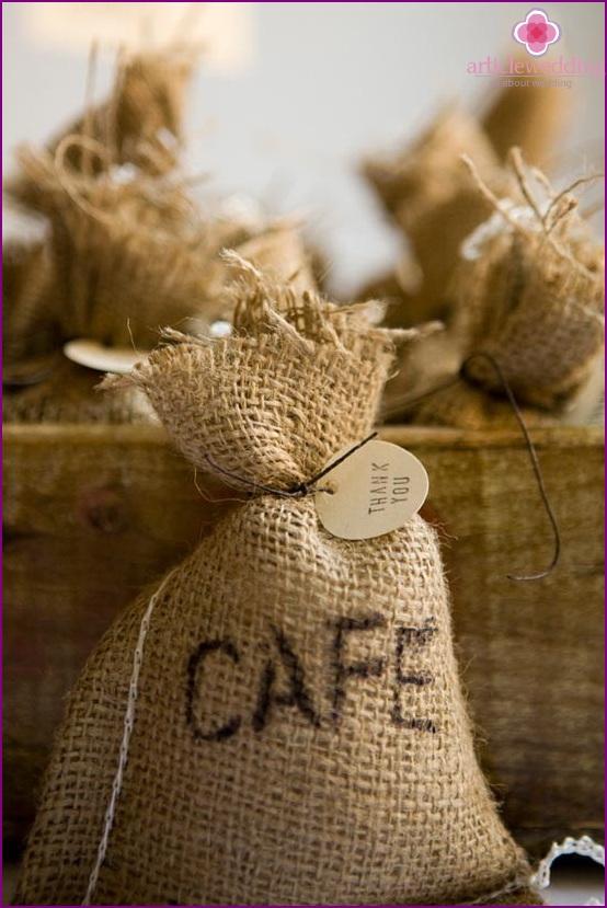 Coffee beans in a pouch - wedding bonbonniere