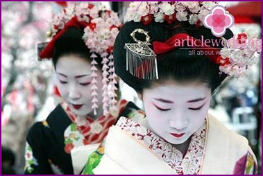 Unusual wedding traditions in China
