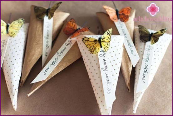 Ready-made pads for petals