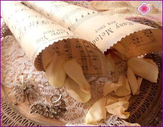 Notebook paper bags for petals