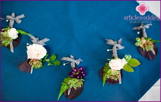 Wedding boutonnieres with crystals