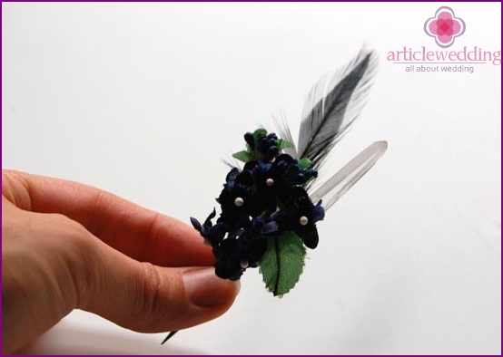 Ready boutonniere with crystal