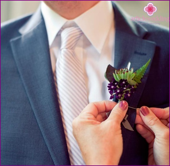 Original boutonniere with crystal and herbs