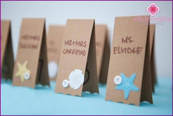 Beautiful cards for seating guests