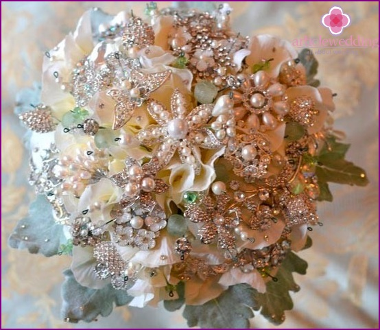Bouquet of rhinestones and beads