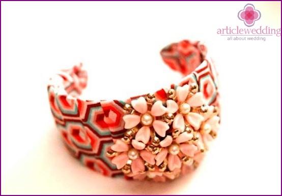 Stylish pink bracelet