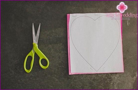 Draw petals on paper