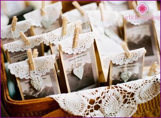 Elegant Lace Banquet Cards
