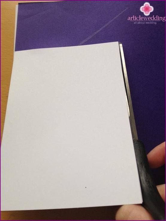 Contour a colored paper card