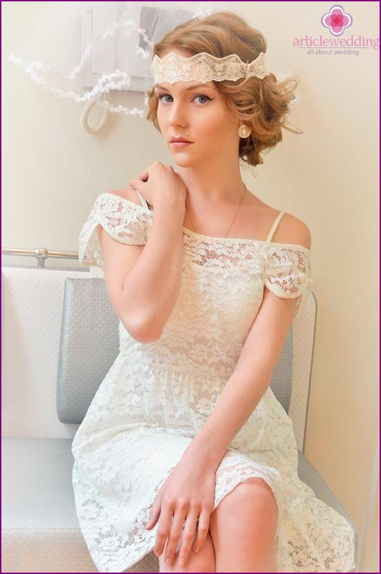 Lace bandage for the bride