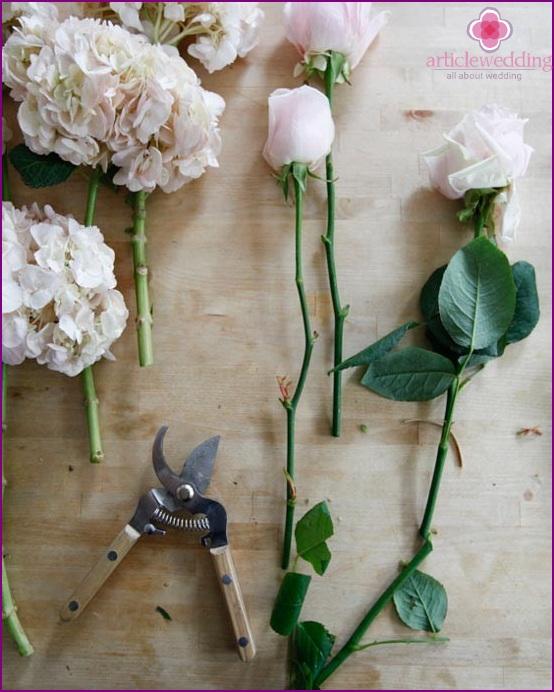 Shorten the stems of the rose