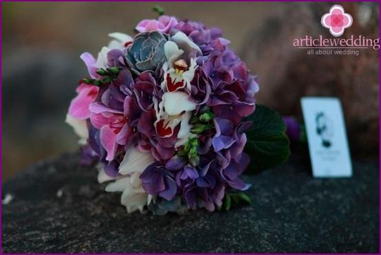 Original bouquet for a wedding
