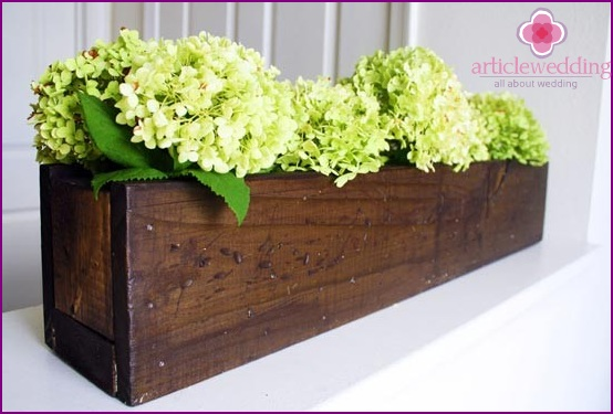 Wooden tub for a wedding