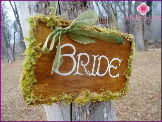 Nameplate for bride made of natural materials