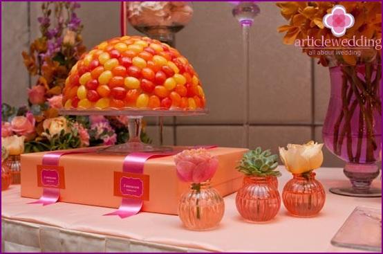 Candy bar oranssinkeltaisissa väreissä