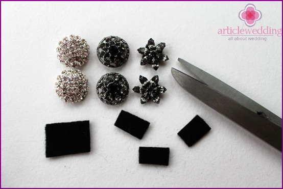 Cut pieces of fabric for hairpins