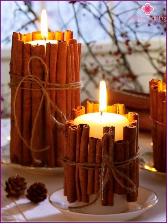 Scented candles for a winter wedding lounge