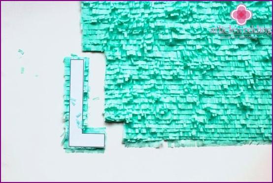 Buchstaben ausgeschnitten