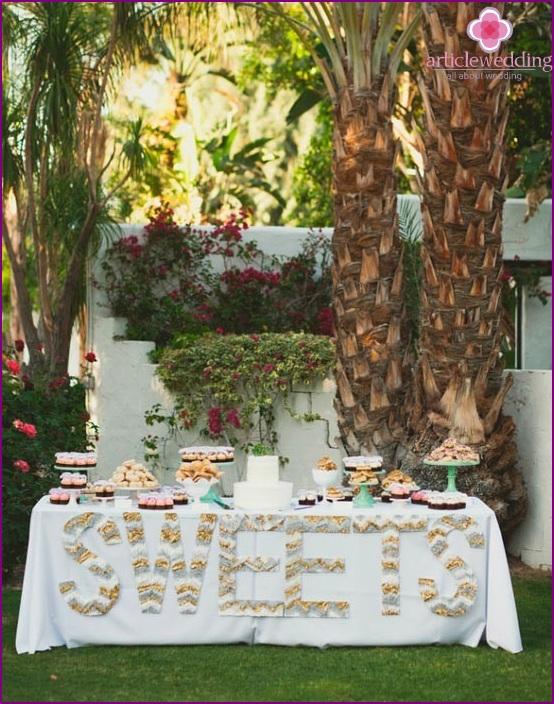Gesäumte Briefe für die Hochzeit
