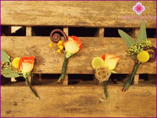 An interesting idea for a boutonniere