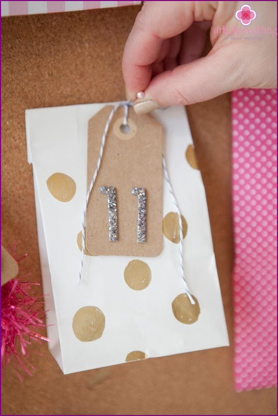 Attach gifts with pins