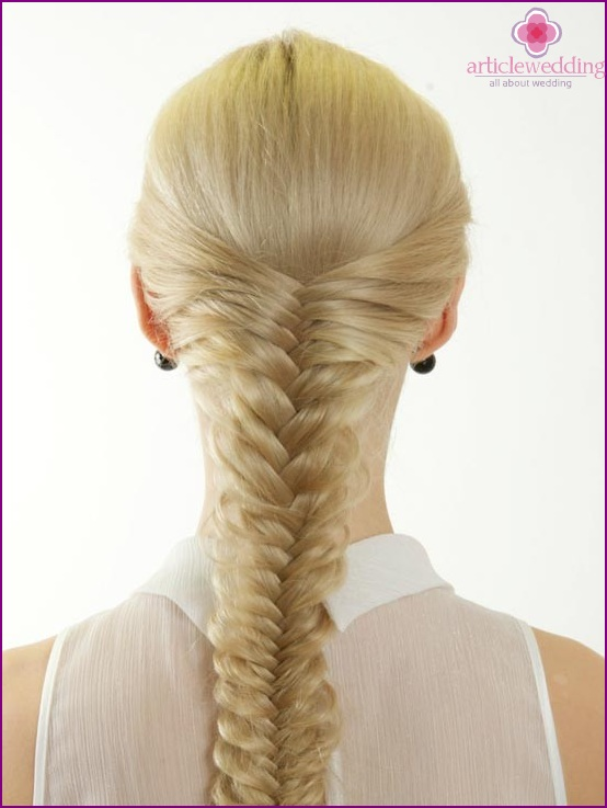Wedding hairstyles with braids: incomparable and elegant!