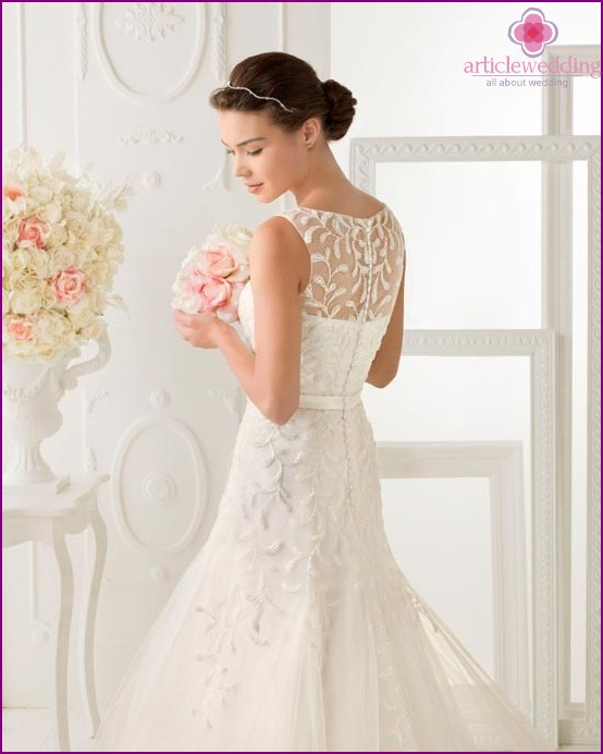 Graceful back of a dress