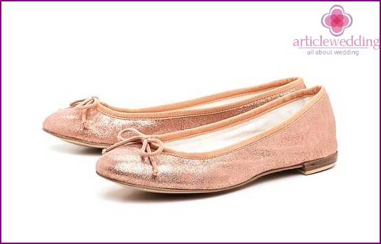 Peach ballet shoes