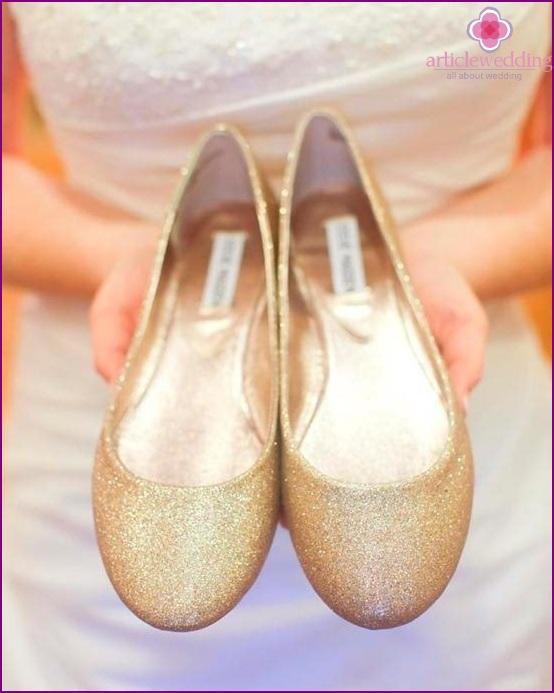 Golden ballet shoes
