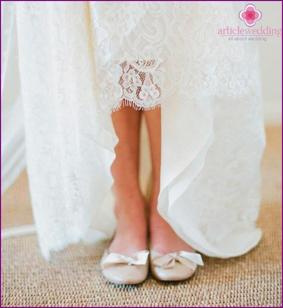 Stylish ballet shoes for the wedding