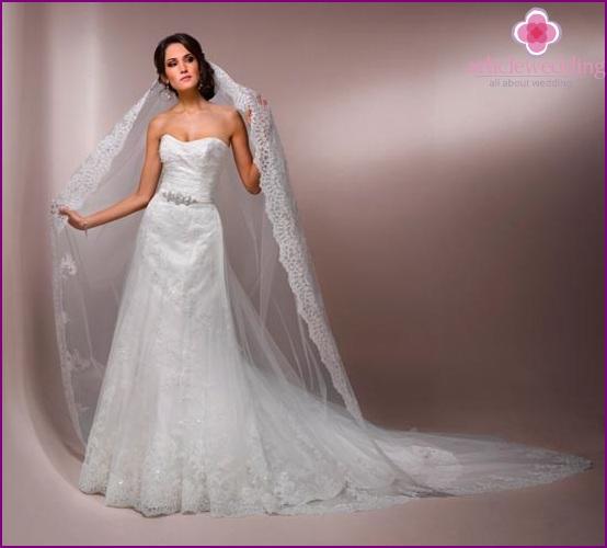 Long veil bride