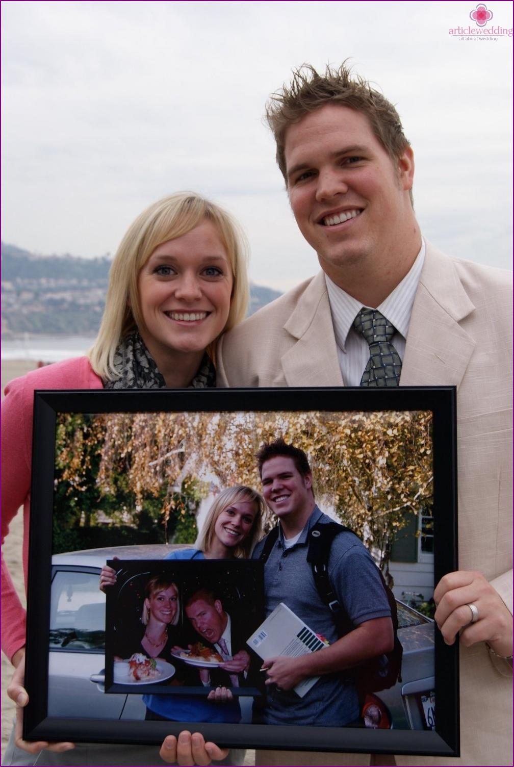 Wedding anniversary photo session with matryoshka photos