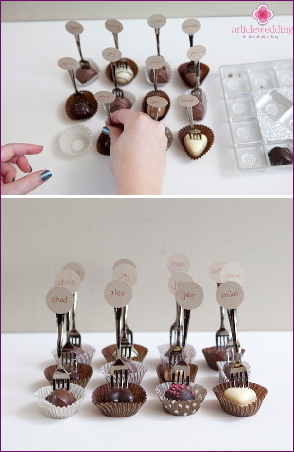 Put sweets in cookie cutters