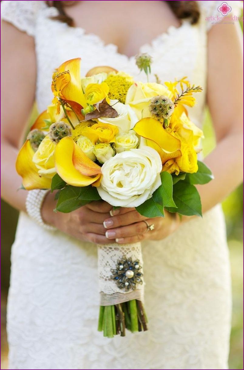 Bridal bouquet for honey wedding