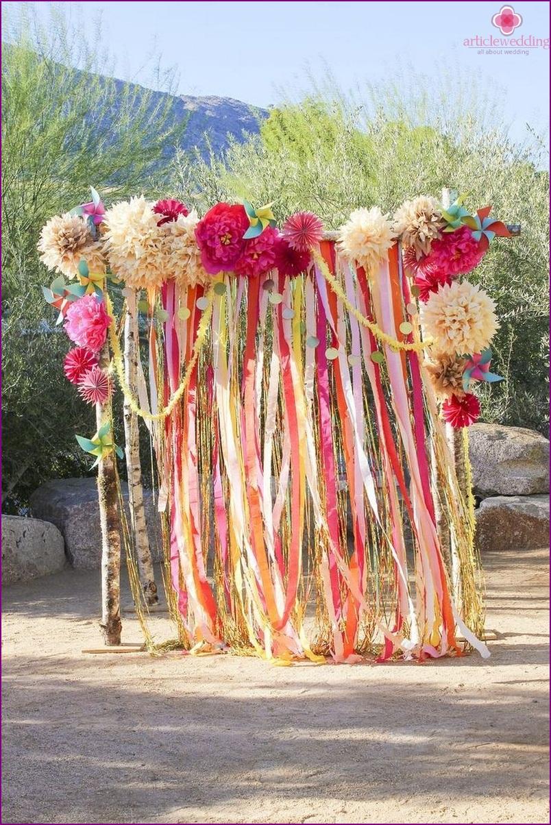 Wedding photo zone of ribbon garlands