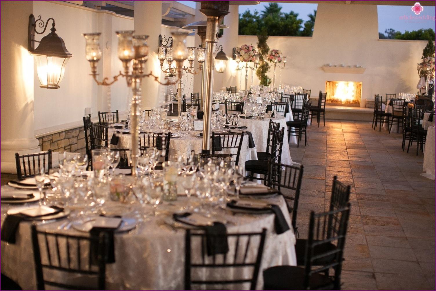 Chanel-style wedding banquet decoration