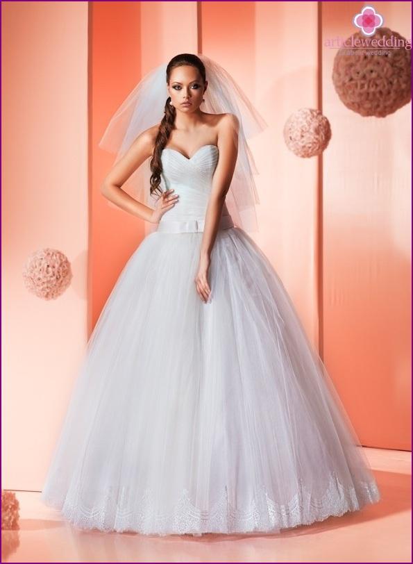 Puffy wedding dress