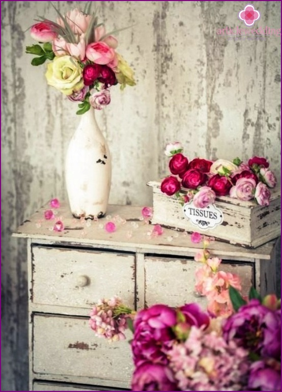 Flowers in the room decor