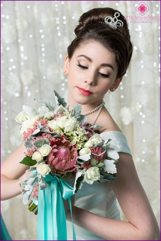 Bride in the style of Breakfast at Tiffany's