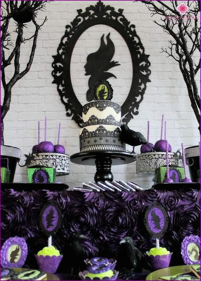 Maleficent style wedding cake