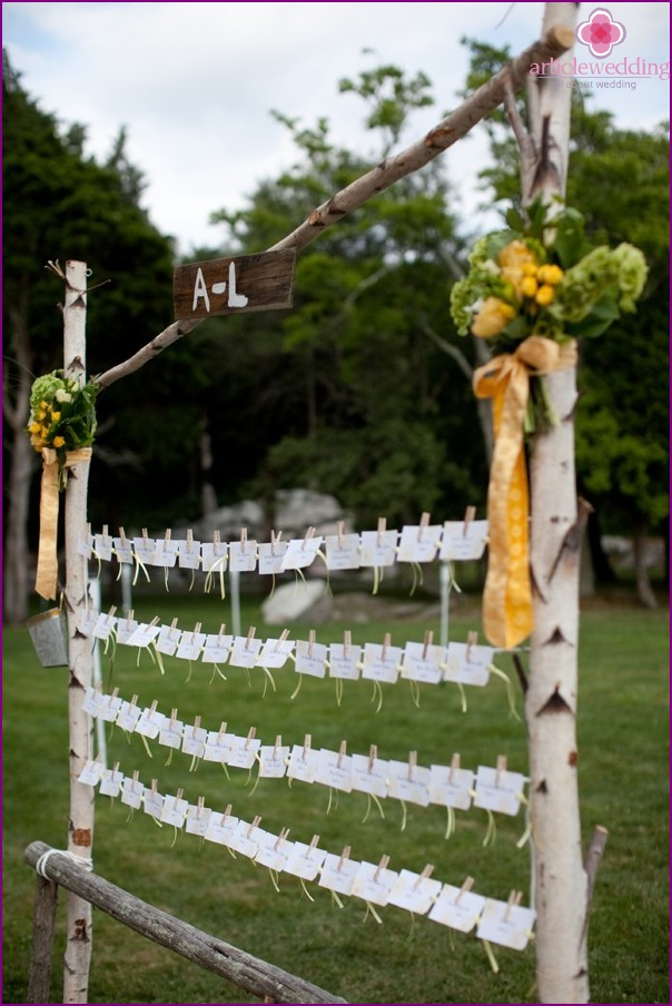 Rustic idea for attaching cards