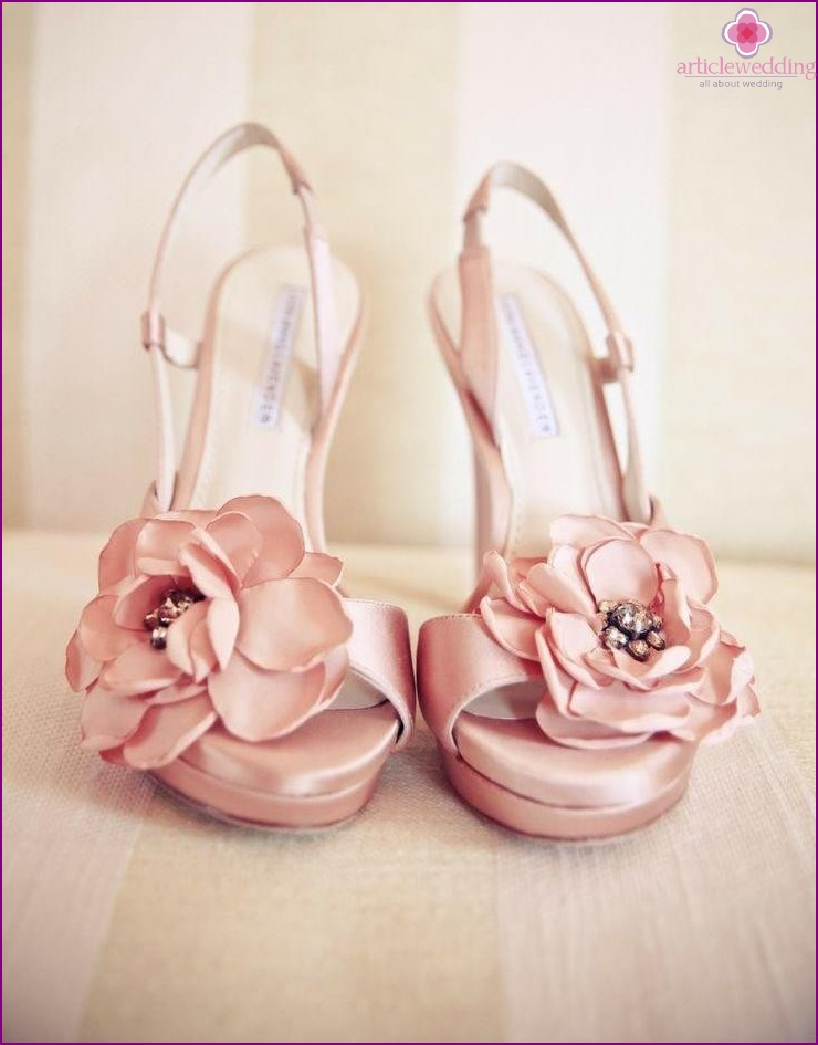 Shoes with flower