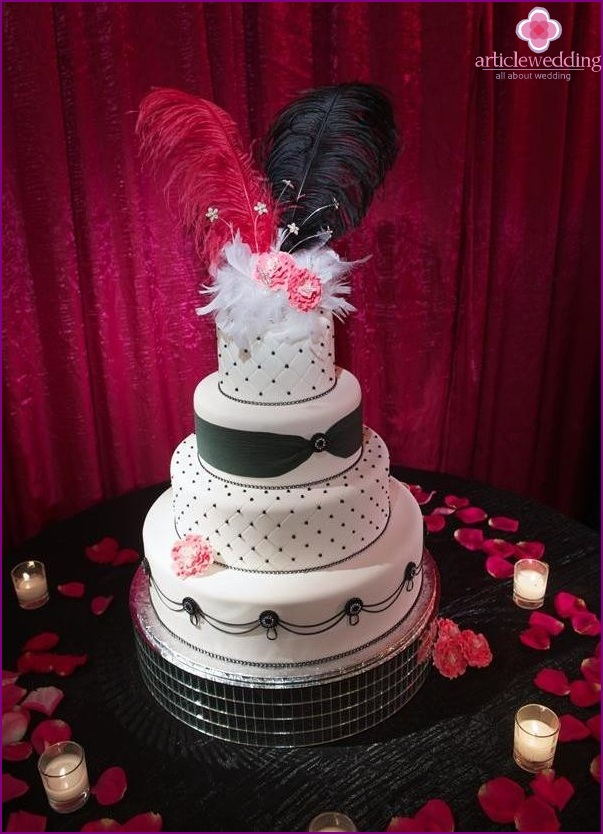 Cake in the style of the Moulin Rouge