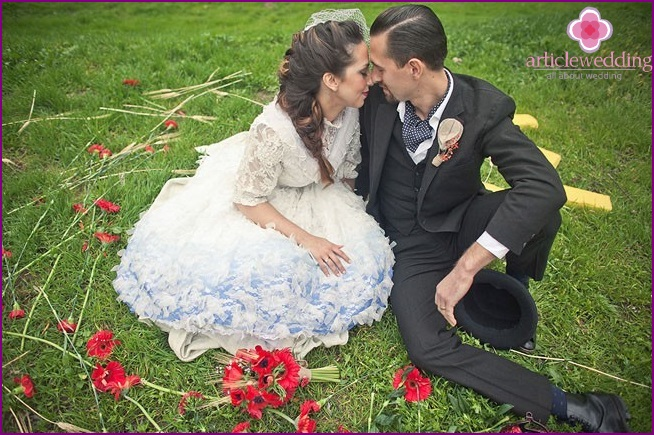 Newlyweds photo session in the style of the Wizard of the Emerald City
