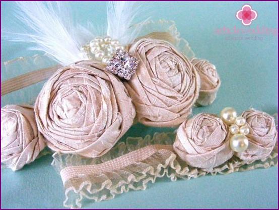 Fancy wedding garter