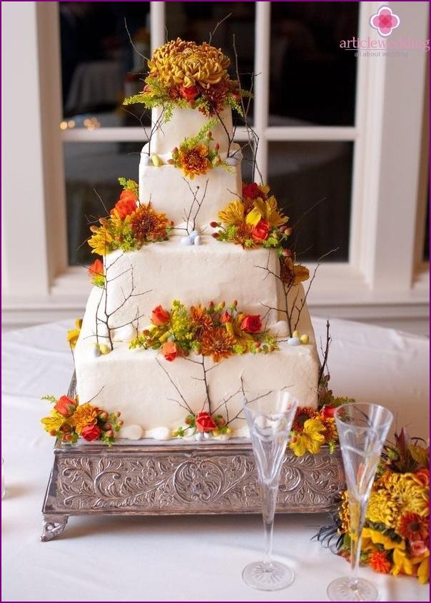 Wedding Cake in Autumn Style