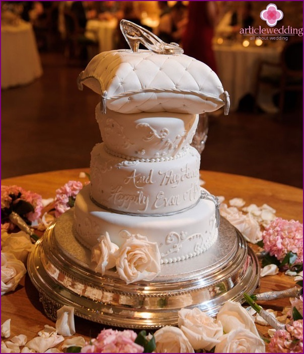 Cake in the style of a fairy tale Cinderella